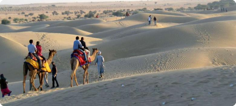 Visitors returning from desert trip, Jaisalmer