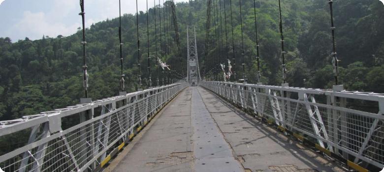 Singshore bridge from Kaluk
