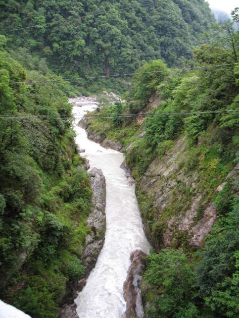 Deep canyons near confluence of Lachenchu and Lachungchu