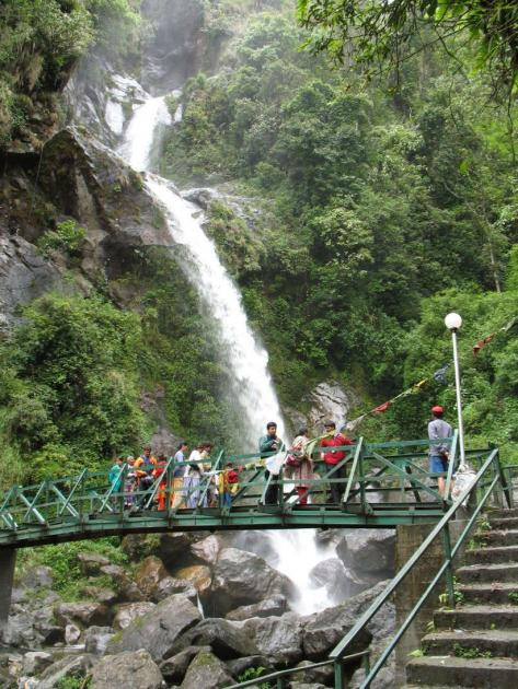 Waterfalls on the way from Gangtok to Mangan