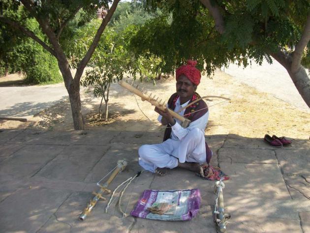 Roadside folk singer, Rajasthan