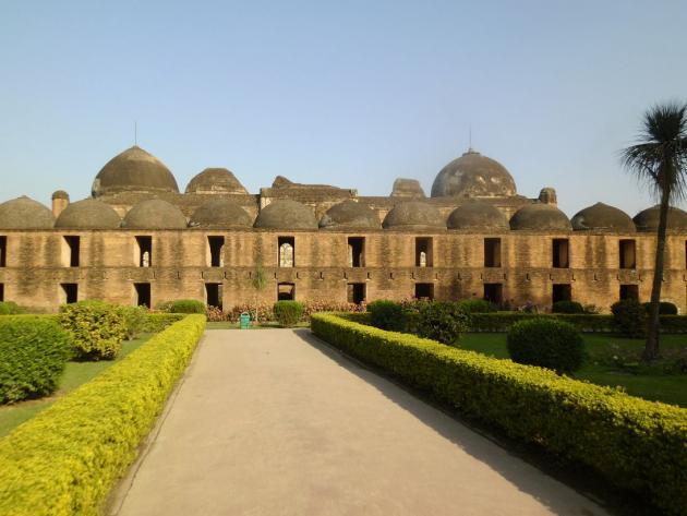 Facing Katra Masjid