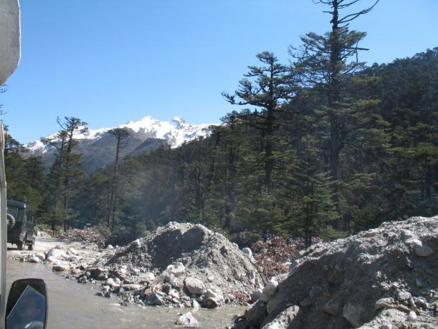 Towards Yumthang