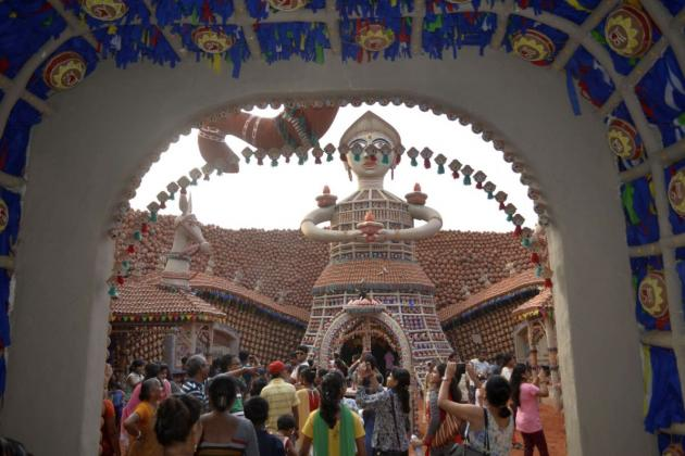 Colorful visual opens to the arena, Kolkata Durga Puja 2015